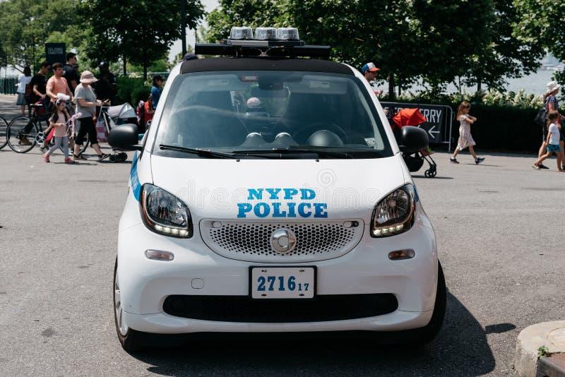 NYPD-polisbil i regulatorön i New York royaltyfria foton