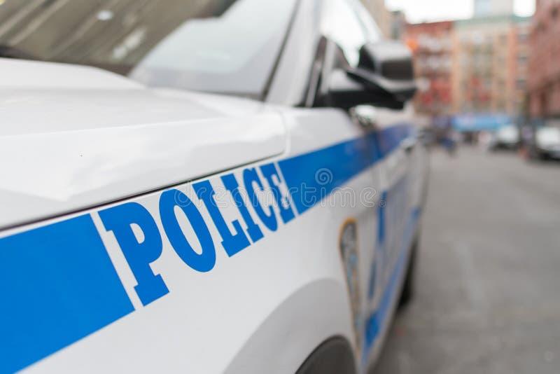 NYPD-polisenmedel som parkeras på gatan arkivbild