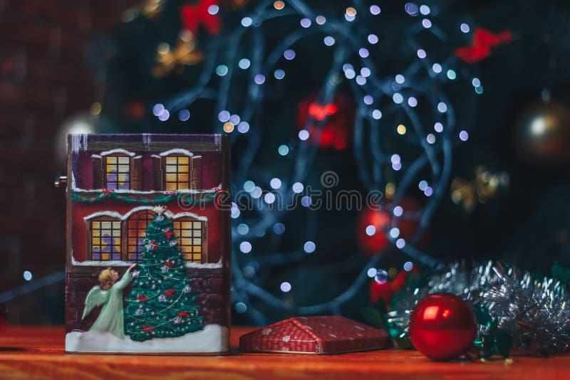 nytt år för julgarnering Struntsak på tabellen arkivfoton