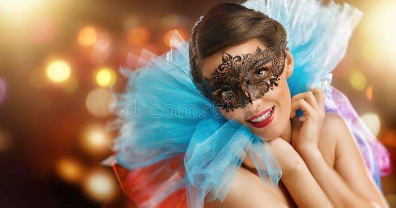 nytt år för lycklig maskeringsmaskerad arkivbild