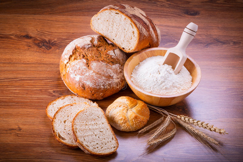 Nytt bakat bröd royaltyfri bild