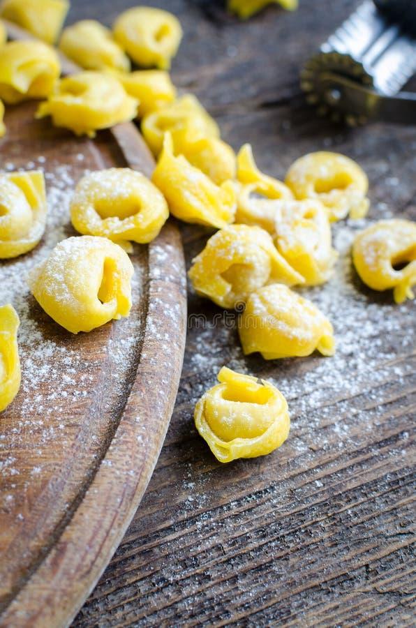 Nytt förberedd italiensk tortellini royaltyfri fotografi