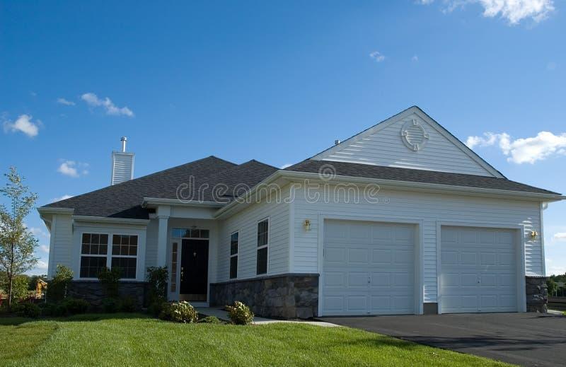 nytt hus fotografering för bildbyråer