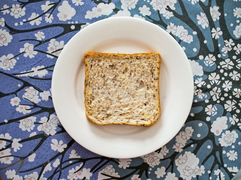 Nytt Mång--korn bröd royaltyfria foton