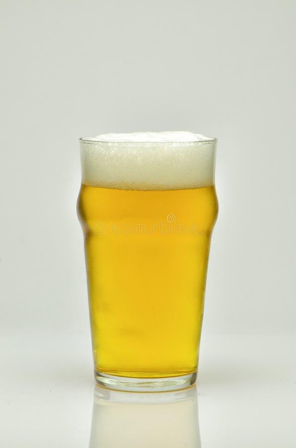 Nytt och kallt öl arkivfoto