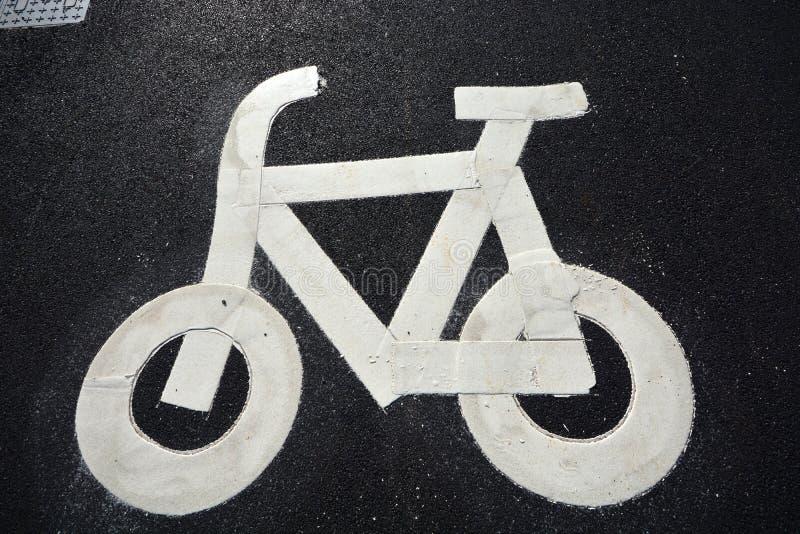 Nytt väg- och infrastrukturbruk för cykel royaltyfri bild