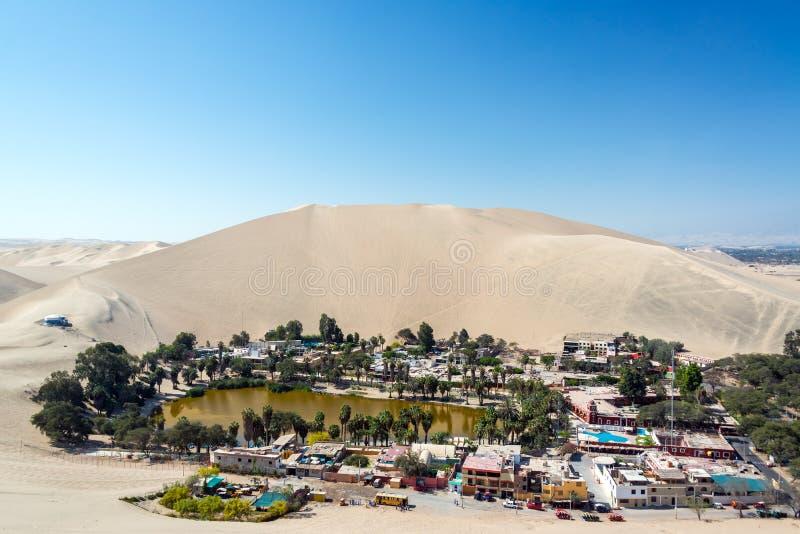 Oásis do deserto de Huacachina foto de stock