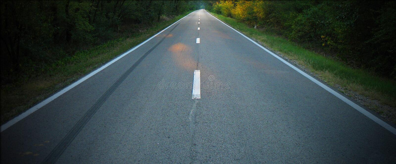 Oändlighetsväg till träna royaltyfri foto