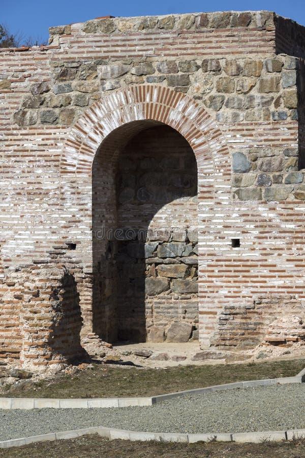 Обмылки старое римского крепость ворота Trajan, Болгария стоковое фото rf