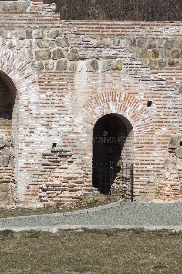 Обмылки старое римского крепость ворота Trajan, Болгария стоковые фото