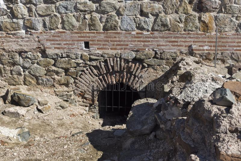 Обмылки старое римского крепость ворота Trajan, Болгария стоковые изображения