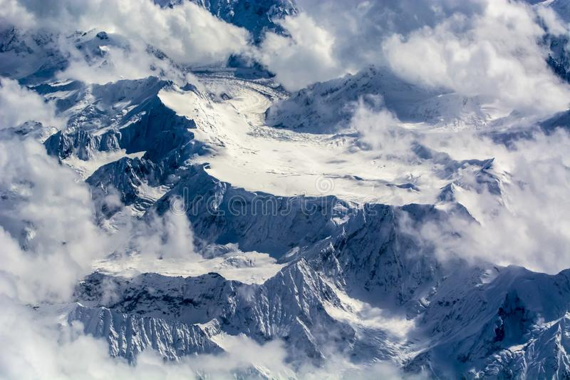 Обозревать пик снега плато стоковые фотографии rf