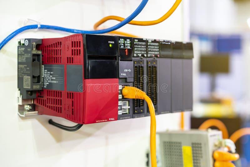 Оборудование точности и точности высокой эффективности PLC регулятора логики предварительной технологии автоматическое Programmab стоковое изображение rf