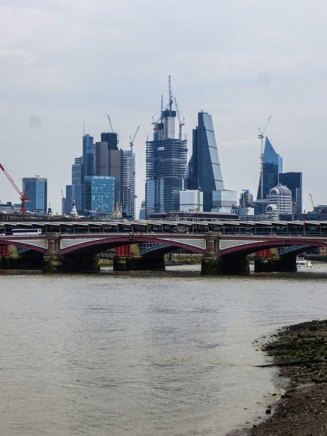 20-ое мая 2018, Англия Панорама Лондона от высоты смотровой площадки музея современного искусства стоковое фото