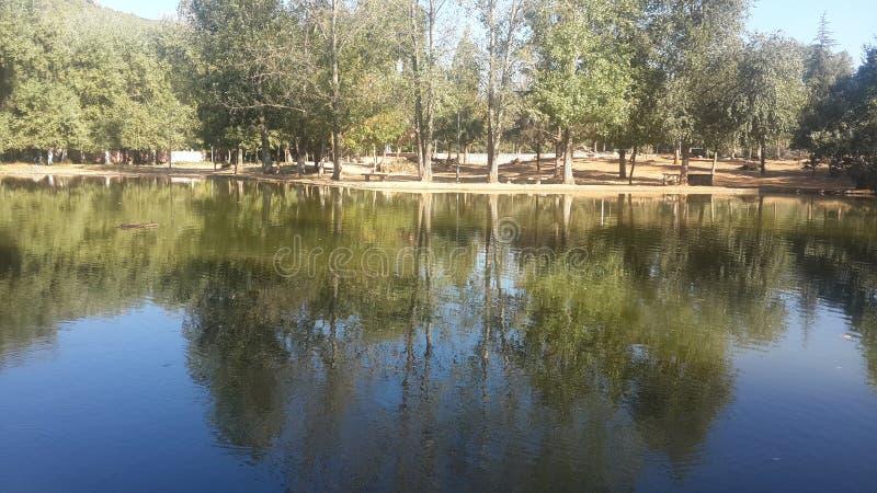 Озеро в центре imouzzer kandar стоковое изображение