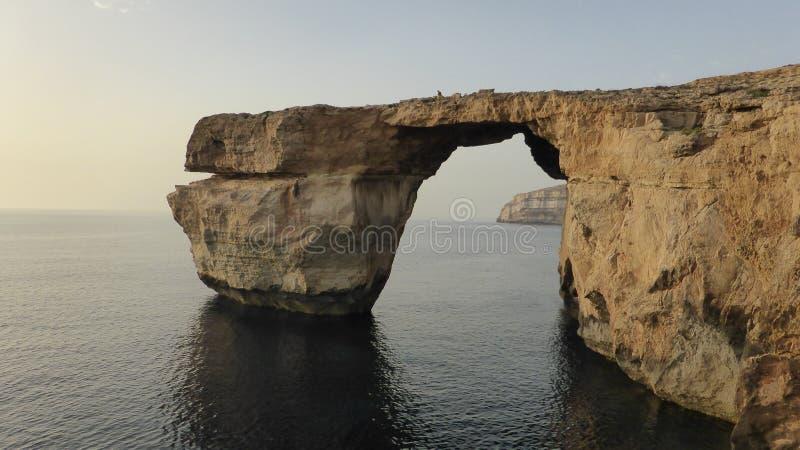 Окно естественного свода лазурное острова Gozo, Мальты стоковое изображение