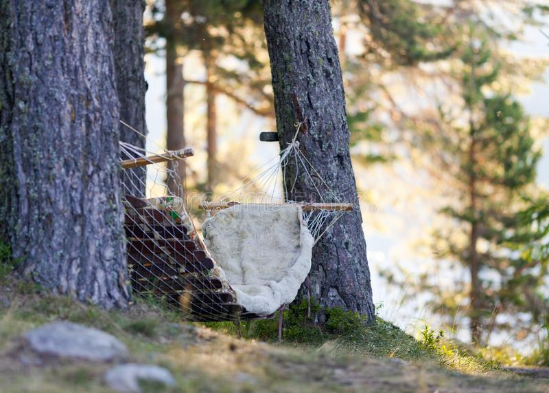 Ослаблять в озерах горы со звуками и ароматностями природы стоковая фотография rf