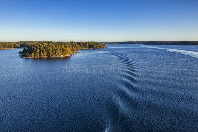 Острова архипелага Стокгольма от вкладыша круиза стоковая фотография rf