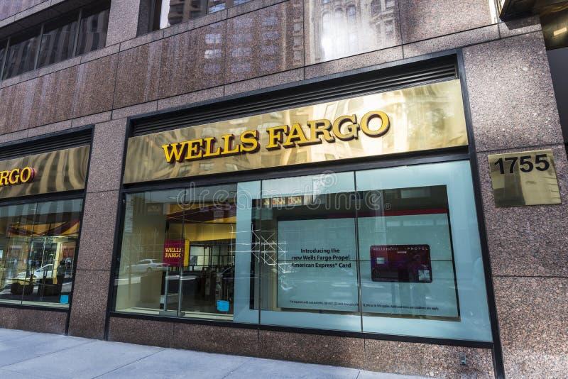 Отделение банка Wells Fargo в Нью-Йорке, США стоковые изображения