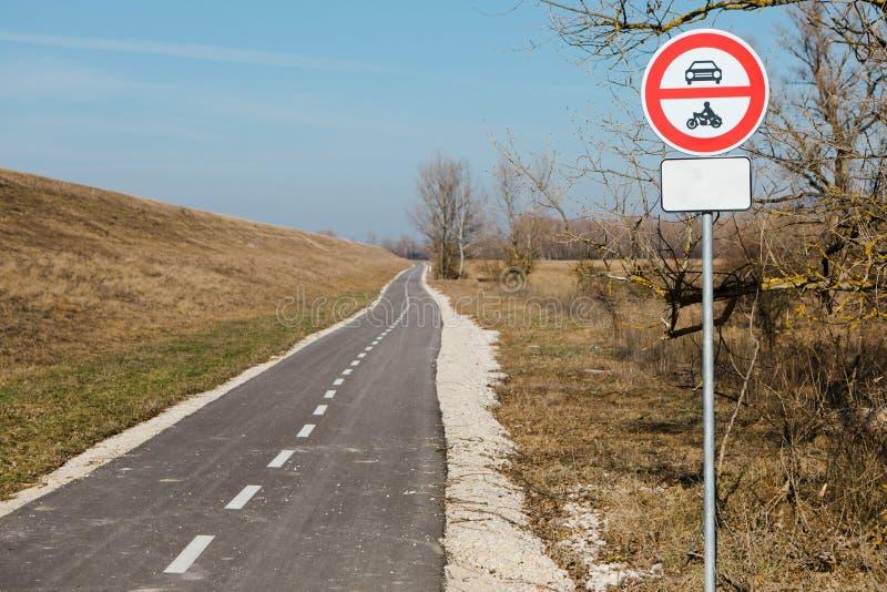 Отсутствие входа для моторных транспортов - избежать загрязнения иллюстрация вектора