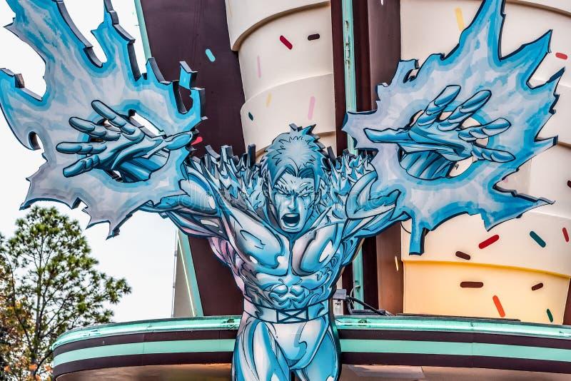 ОРЛАНДО, ФЛОРИДА, США - ДЕКАБРЬ 2018: Серебряный серфер, острова приключения, студии Universal Флорида стоковые изображения