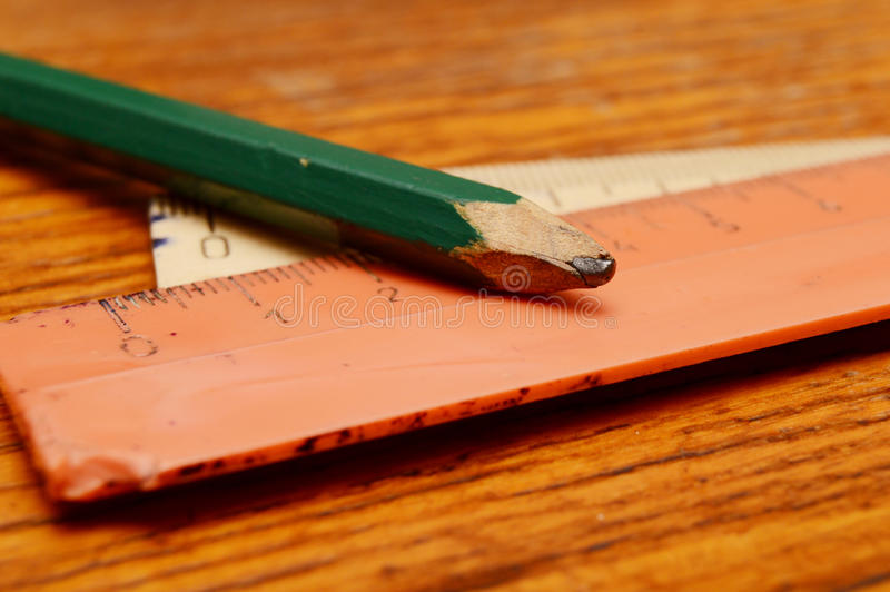Ołówek i władcy fotografia stock