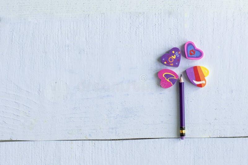 Ołówek z kierowe gumki wykładał w formie kwiatu, obrazy stock