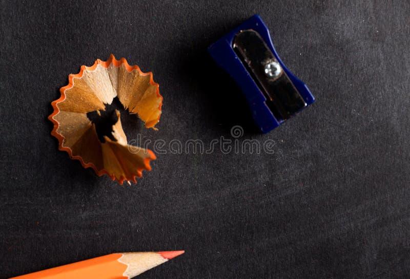 Ołówkowej ostrzarki i ołówka zamknięty up zdjęcie stock
