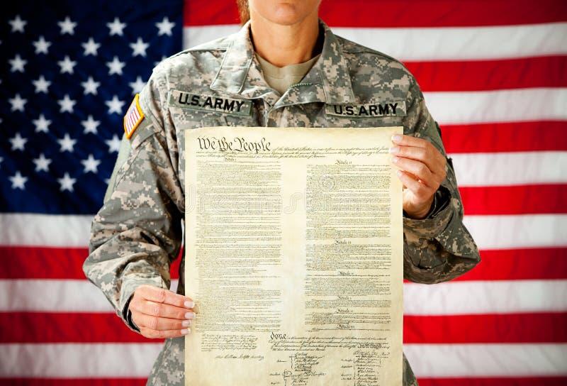 Żołnierz: Dumny USA konstytucja fotografia royalty free
