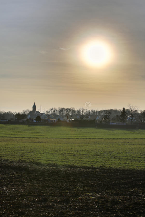 Oślepienia słońce Nad Ottersleben HDR obrazy stock