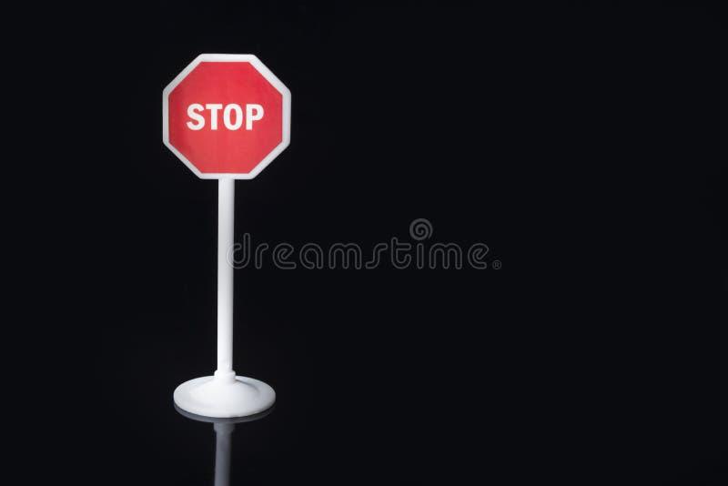 Ośmioboczny czerwony przerwa znak zdjęcie stock