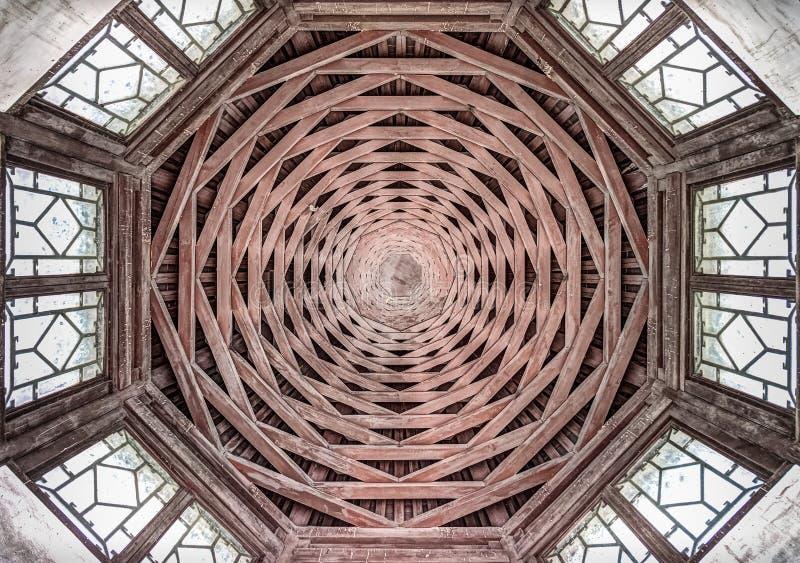 Ośmioboka stary drewniany dach zdjęcie royalty free