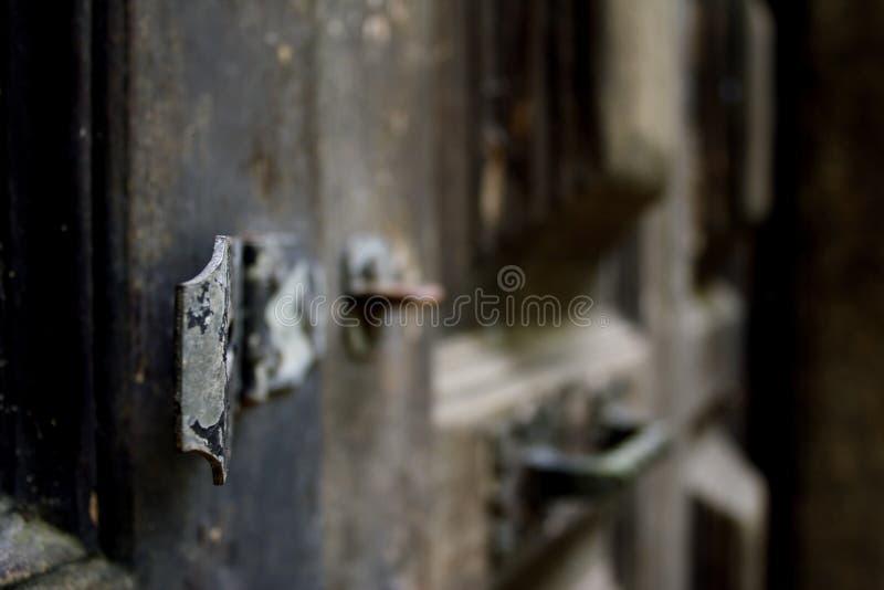 Ośniedziała Antykwarska Drzwiowa zapadka zdjęcie stock