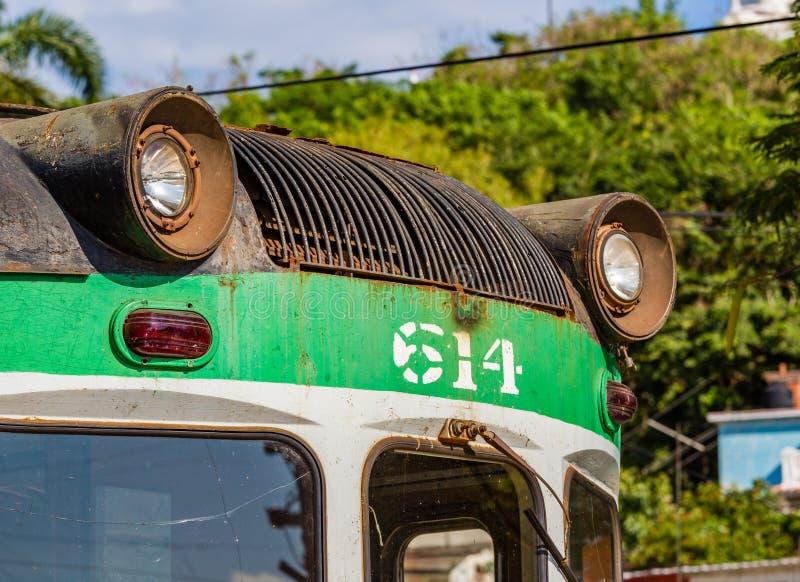 Ośniedziała powierzchowność funkcjonuje pociąg w Stary Hawańskim, Kuba obrazy stock
