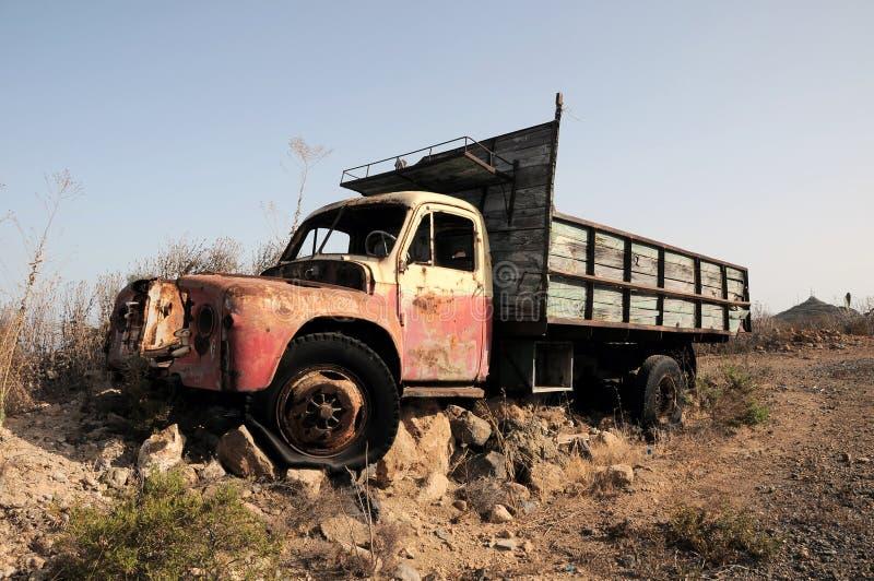 Ośniedziała Zaniechana ciężarówka obrazy stock