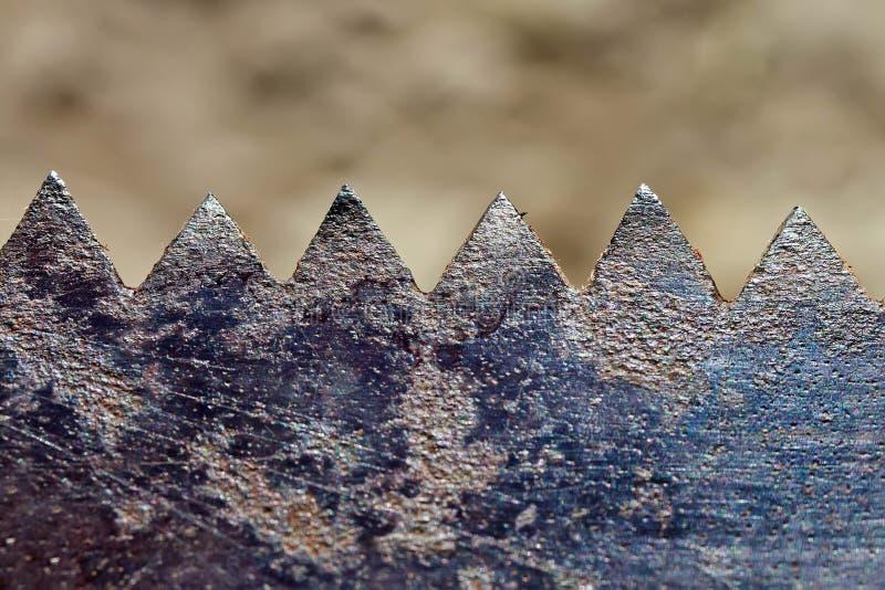Ośniedziałe stare metali zębów piły obraz stock