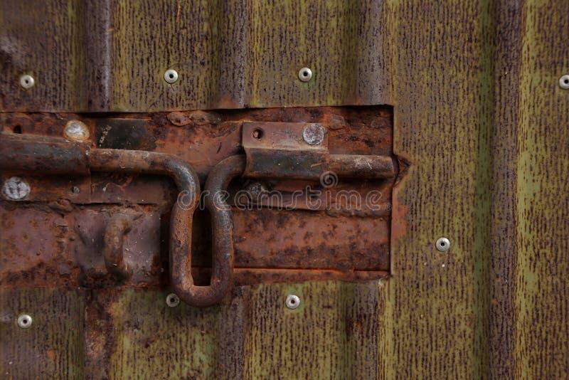 Ośniedziały drzwiowy rygiel zdjęcia stock