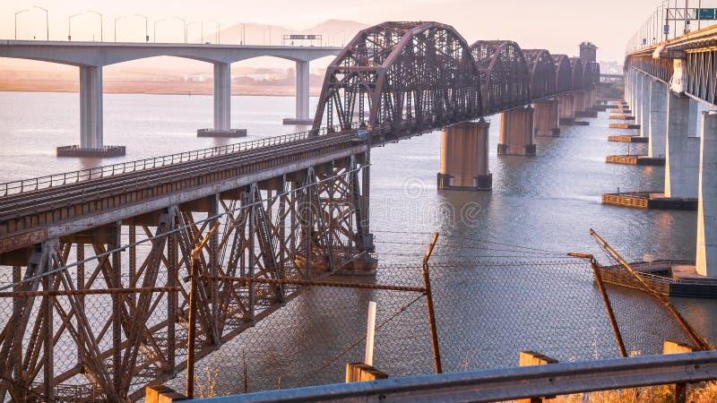 Ośniedziały Ole most, beton & stal, obraz stock