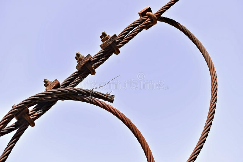 Ośniedziały przemysłowy kabel zdjęcia royalty free