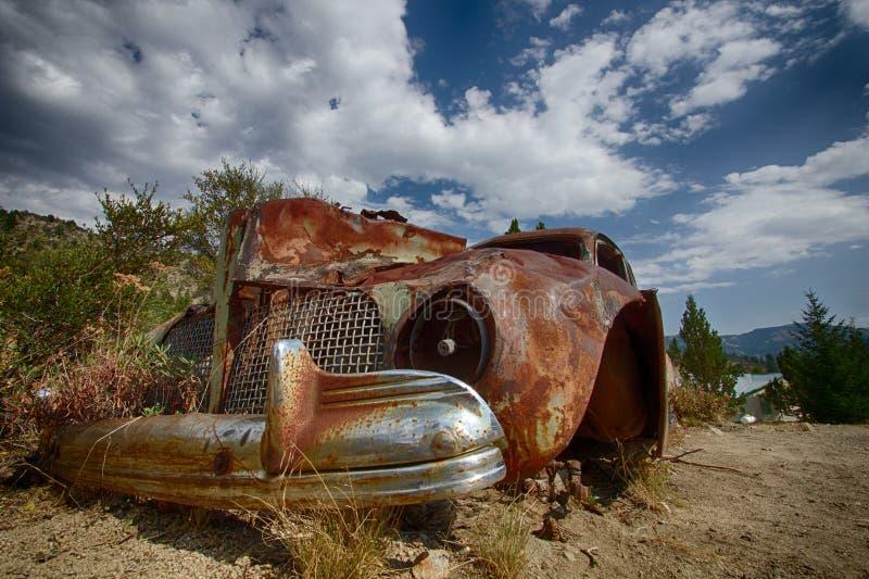 Ośniedziały samochód 2 fotografia royalty free