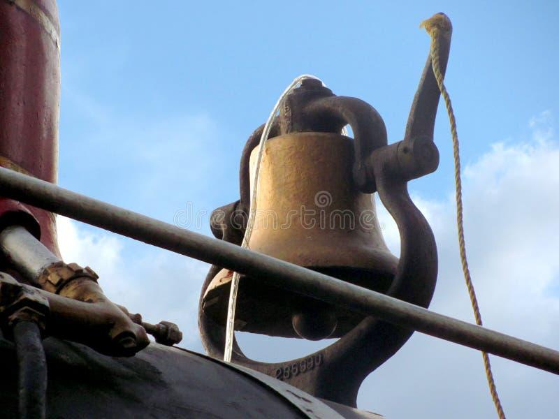 Ośniedziały stary taborowy dzwonkowy szczegół zdjęcie royalty free