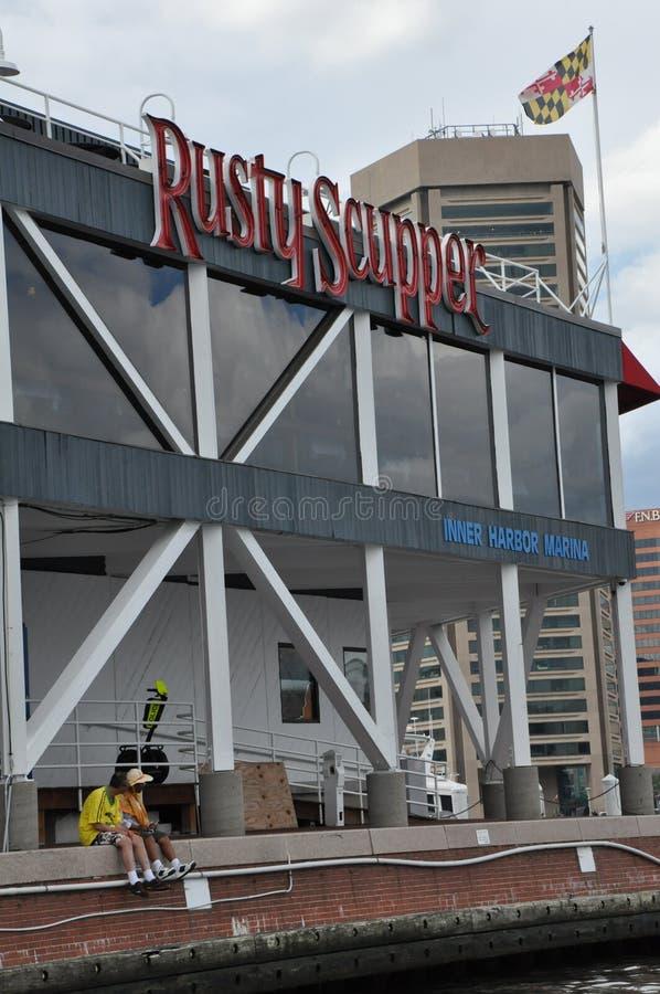 Ośniedziały Zatapia restaurację & baru przy Wewnętrznym schronieniem w Baltimore, Maryland zdjęcie stock