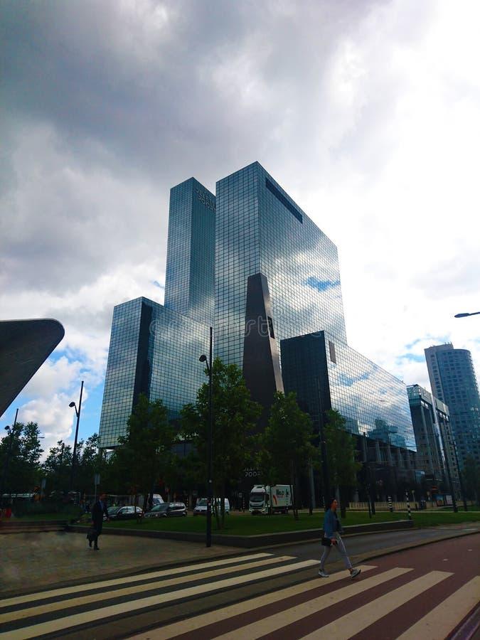 Ożywiający Rotterdam, centrum biznesu, drapacz chmur zdjęcia royalty free