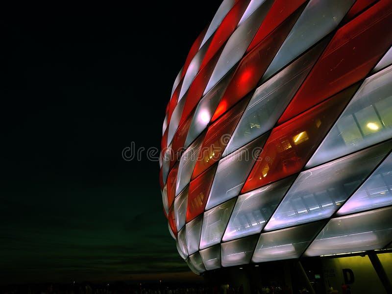 O ¼ da arena FC Baviera MÃ de Allianz nchen Munich imagens de stock