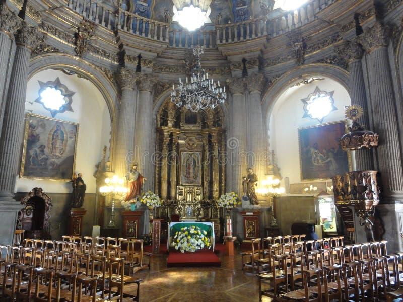 """O †""""México de Nosso-Senhora--Guadalupe da basílica foto de stock royalty free"""