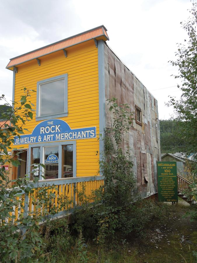 O — Dawson City da joia & do Art Merchants da rocha, Alaska fotografia de stock