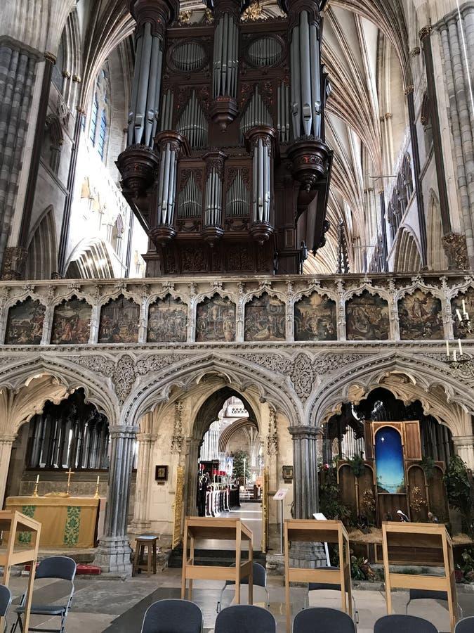 O órgão do século XVIII da catedral de St Peter em Exeter, Reino Unido imagem de stock