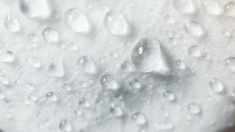 o Οι μεγάλες όμορφες πτώσεις νερού στην άσπρη ορχιδέα ανθίζουν τη μακροεντολή Μακρο άποψη της αφηρημένης σύστασης φύσης στοκ φωτογραφία με δικαίωμα ελεύθερης χρήσης