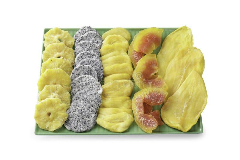 O abacaxi, fruto do dragão, jackfruit, papaia, manga é alinhado ordenadamente em uma placa imagem de stock royalty free