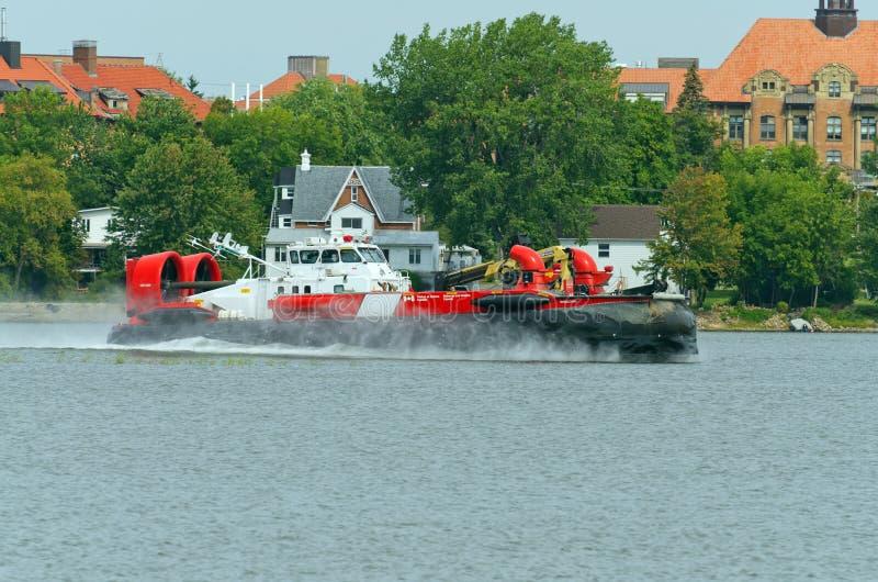 Aerodeslizador canadense da guarda costeira fotografia de stock royalty free